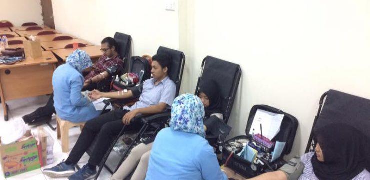 Berbagi kebaikan, BEM FH – PMI Surabaya mengadakan Donor Darah di FH UNAIR