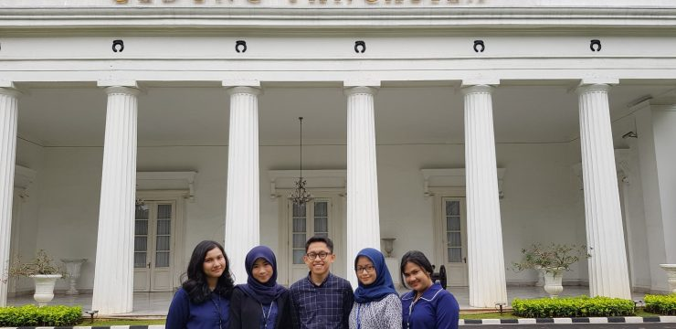STUDENTS FH UNAIR INTERNSHIP DURING HOLIDAYS
